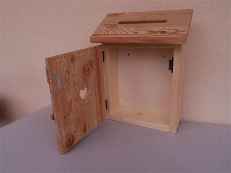postkasten aus holz briefkasten aus holz rustikal mit herzmotiv briefkasten holz in 2019 briefkasten