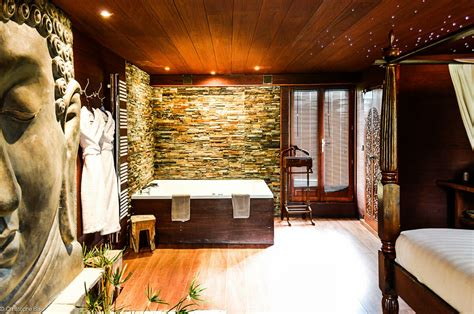 chambre jaccuzzi week end romantique 12 chambres avec privé