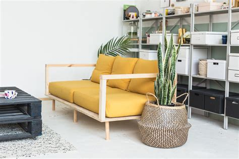 Diy Loveseat by Make Yourself Comfortable With This Easy Diy Wooden Studio
