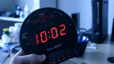 sonic bomb alarm clock lightning review  explodes