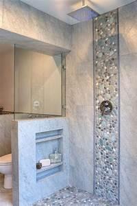 le carrelage galet pratique revetement pour la salle de bain With salle de bain avec galet
