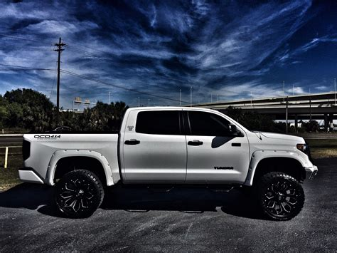 Toyota Tundra Lifted by 2018 Toyota Tundra Ustom Lifted Crewmax Leather 4x4 V8