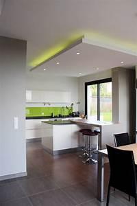 Indirekte Deckenbeleuchtung Wohnzimmer : die 25 besten ideen zu indirekte deckenbeleuchtung auf ~ Michelbontemps.com Haus und Dekorationen