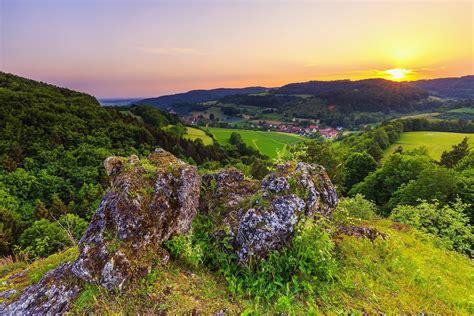 Den jura, das dichtbesiedelte mittelland sowie die alpen mit den voralpen. Urlaub in der Fränkischen Schweiz | deutschlandLiebe by ...