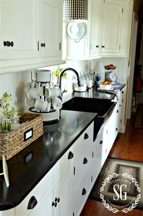 What Is Farmhouse Style And 10 Ways To Get It!  Stonegable