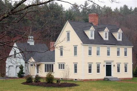 yellow colonial farmhouse major love colonial house colonial exterior colonial style homes