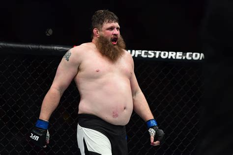 Roy Nelson Signs Multi-fight Contract With