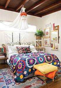 small-bohemian-bedroom-design