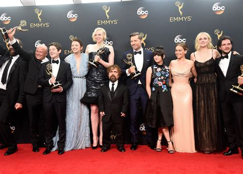 emmy awards  game  thrones breaks record