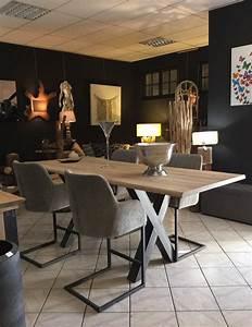 Table De Salle A Manger Industriel : salle a manger table pied metal plateau chene industriel ~ Teatrodelosmanantiales.com Idées de Décoration