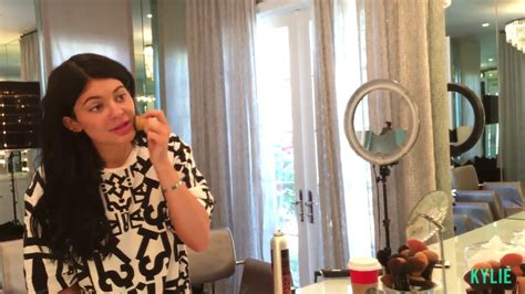 heres    kylie jenners makeup routine   minutes   teen vogue