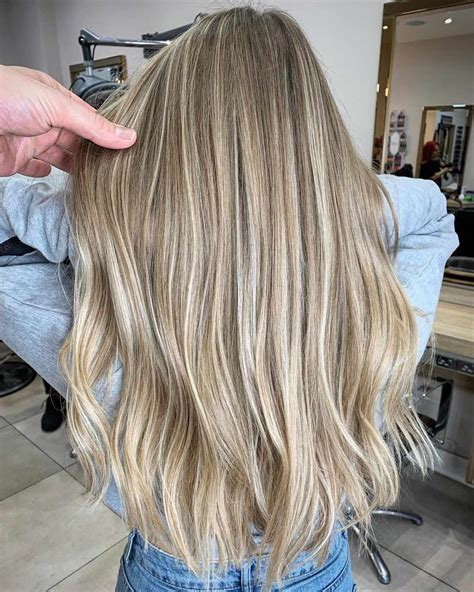 30+ Awesome Straight Hairstyles For Women 2019 2020