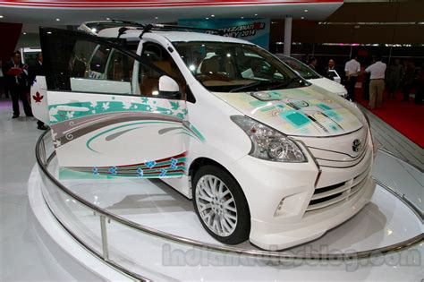 toyota avanza special edition front three quarters left at