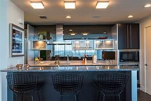 appartement de centre ville a la decoration eclectique en With salle de bain design avec tableau art contemporain design décoration