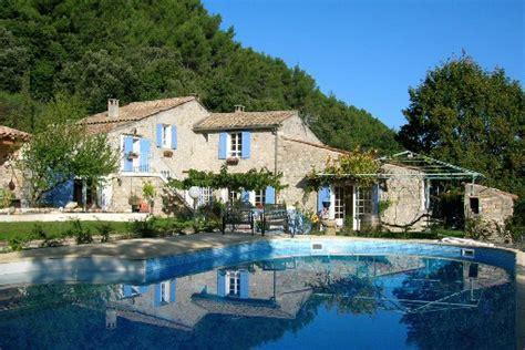 chambres d hotes à gite en provence weekend en provence gite avec piscine