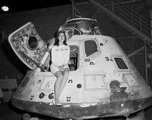 Miss NASA Beauty Pageant – Artifacting