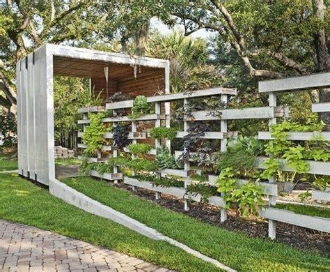 garten bepflanzen ideen garten zaun bepflanzen modernedesign ideen holz paletten