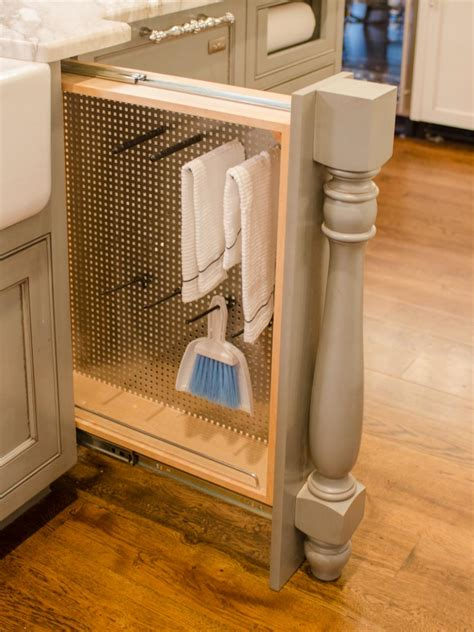 pull out kitchen storage ideas 29 clever ways to keep your kitchen organized diy