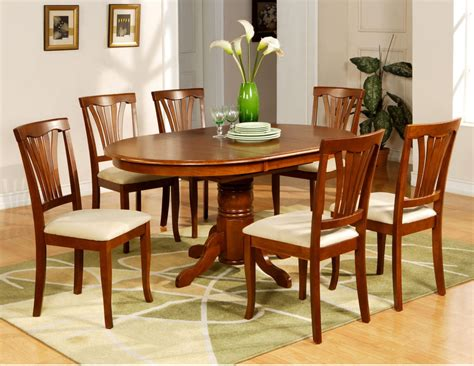 kitchen  dining chairs  grasscloth wallpaper