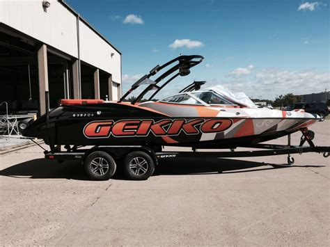 Wake Boat And Ski Boat by Customized Wakeboarding Boats Www Pixshark Images