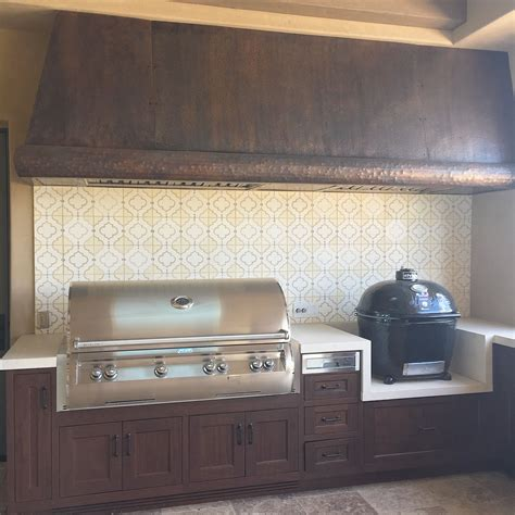 Outdoor Kitchen Backsplash by Outdoor Kitchen With Cement Tile Backsplash And Custom