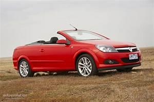 Holden Astra Twintop Specs  U0026 Photos