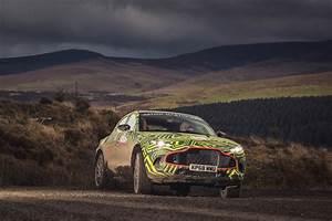 Aston Martin Suv : 2019 aston martin dbx suv prototype revealed in testing ~ Medecine-chirurgie-esthetiques.com Avis de Voitures