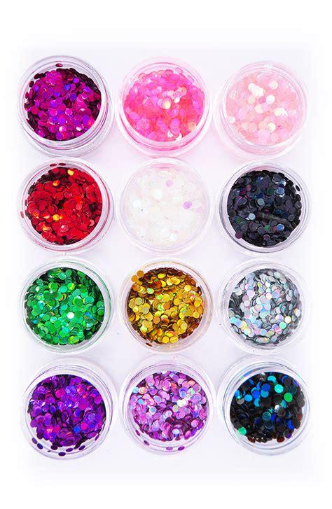 Set grote glitters 12 potjes kopen? Nu €8,95 bij FeestinjeBeest.nl!