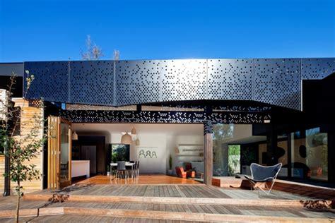 cool beach house plans modern  shaped design