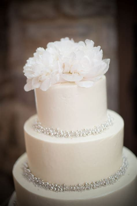 7 Sweet Simple Wedding Cakes White Wedding Cakes Pure