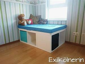 Ikea Hacks Podest : aus 2x kallax wird ein podest podium plattform kids room in 2018 pinterest kallax room ~ Watch28wear.com Haus und Dekorationen