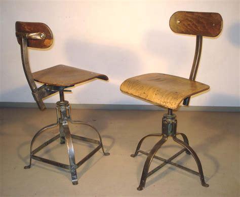 chaise de bureau industriel antiquités industrielles mobilier industriel et