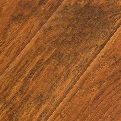 traditional laminate flooring feather step feather lodge feather step deep river oak 12 3 mm laminate flooring sle