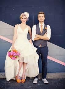 thã me mariage original marié en baskets mariage mariage original pacs déco