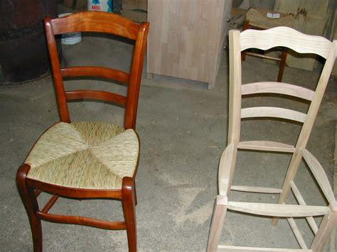 peindre des chaises en bois comment reparer une chaise en paille