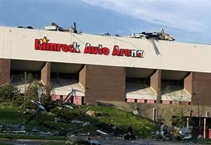 Tornado Destroys Metra  Several Heights Businesses