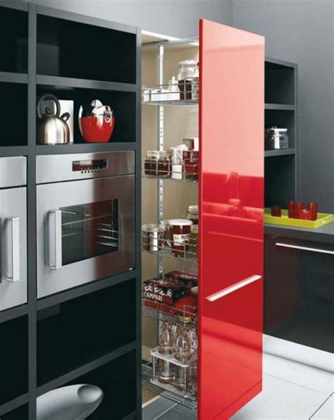 acentua los detalles de tu cocina  color rojo interiores