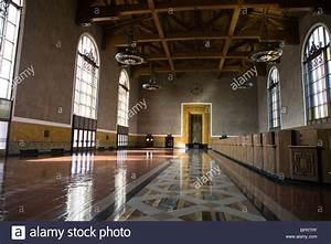 Art deco interior of left lobby los angeles union station for Art deco train interior