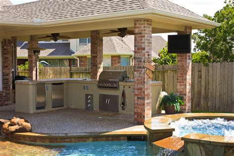 Awesome Home Outdoor Kitchen With Pool — Bistrodre Porch