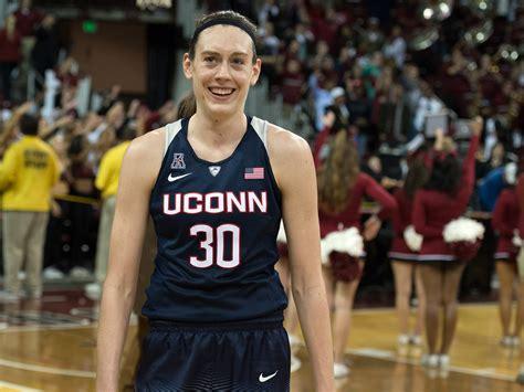 It's The Breanna Stewart Era In College Basketball ...