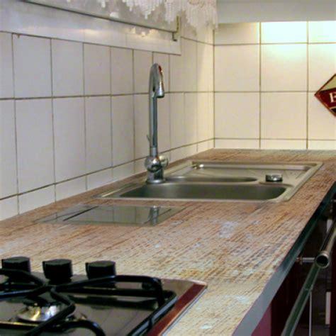 plan de travaille cuisine appliquer une résine sur un plan de travail de cuisine
