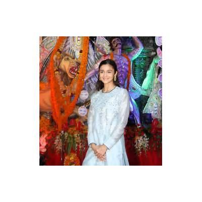 PIX: Kajol Alia celebrate Durga puja - Rediff.com Movies