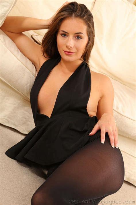 Busty Laura Hollyman Posing Topless