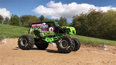 rc monster truck freestyle axial grave digger monster truck freestyle scale r c