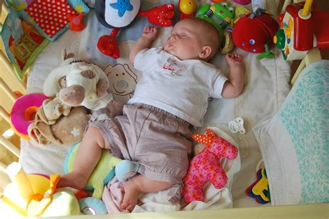 comment habituer bebe a dormir dans lit b 233 b 233 refuse de dormir dans lit b 233 b 233 dodo