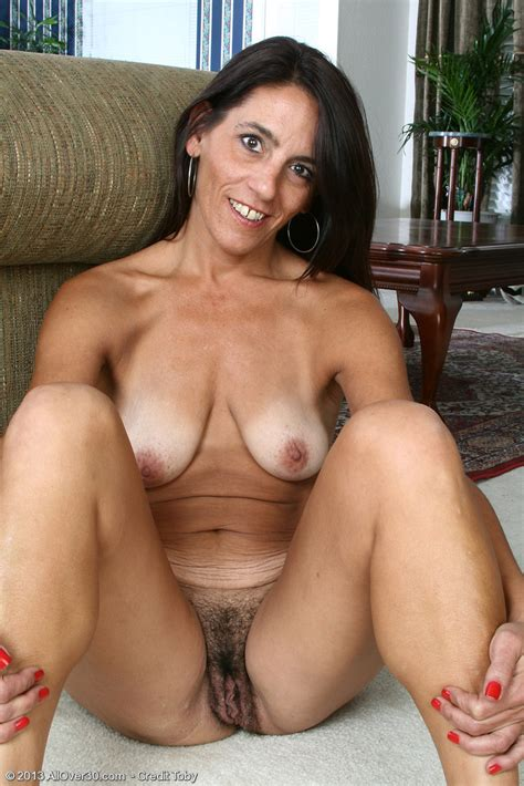 Hairy Milf Cunts 6 Pic Of 35