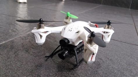 parrot mini drone rolling spider review prices features competitors specs