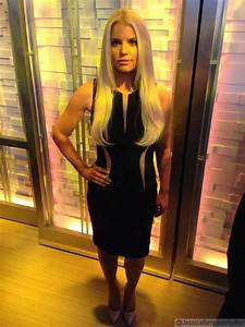 Jessica Simpson Shares Photo of Her Slim Body on Twitter