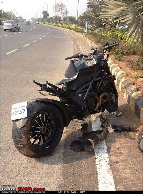 Will try and delete that last heard the lady was in critical care at a kolkata hospital. Supercar & Import Crashes in India - Page 98 - Team-BHP