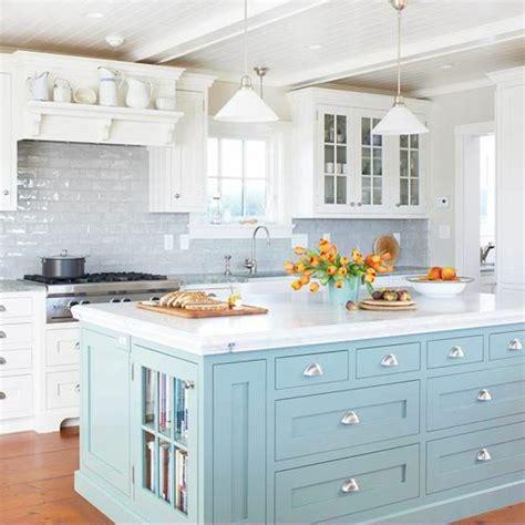cuisine bleue et blanche la cuisine blanche d 39 hier et aujourd 39 hui